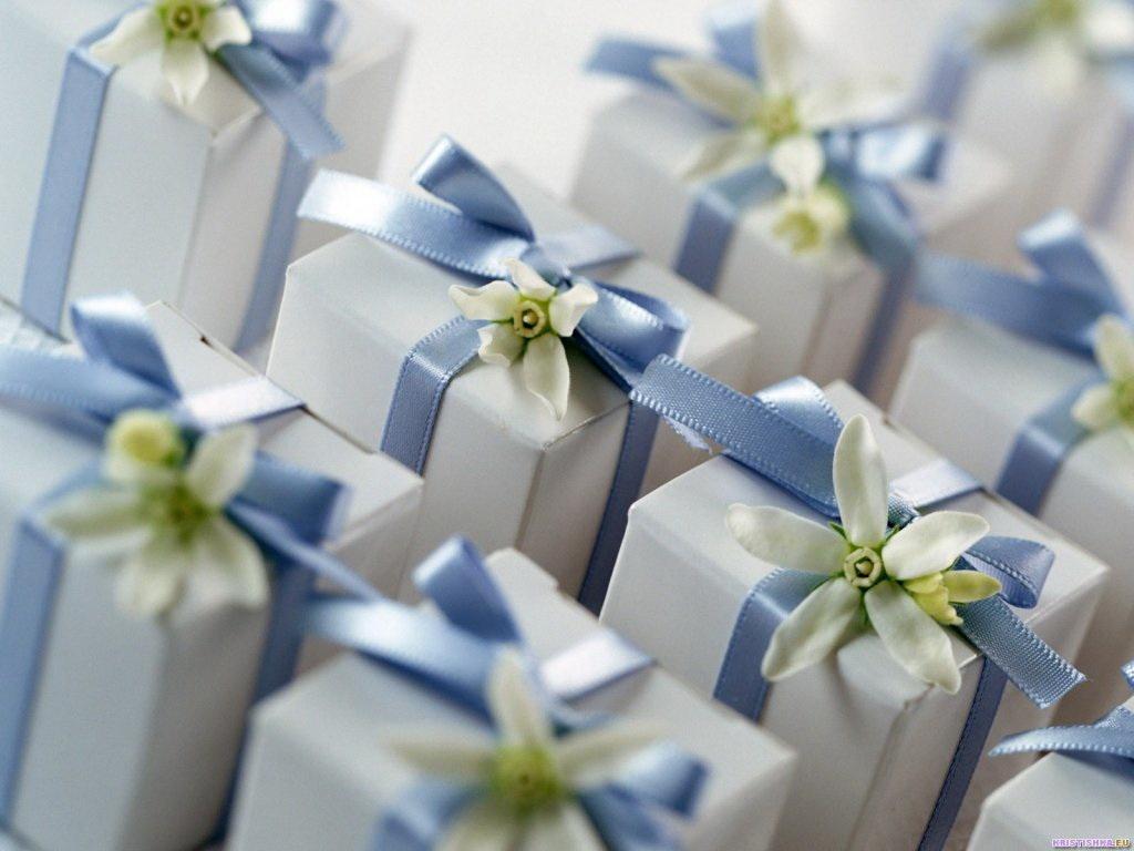 Подарки на свадьбу в фото