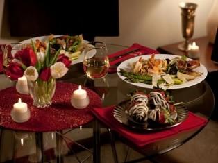 Как украсить помещение для романтического ужина
