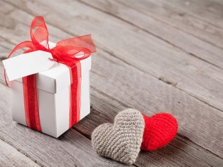 Что подарить любимому парню?