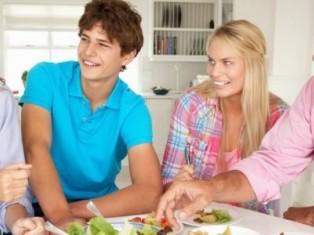 Как познакомить парня с родителями?